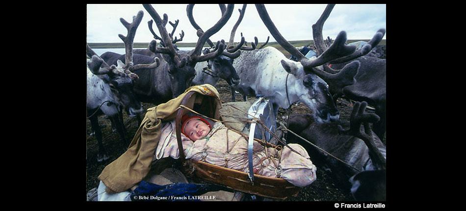 Bébé Dolgan, Sibérie – Francis Latreille